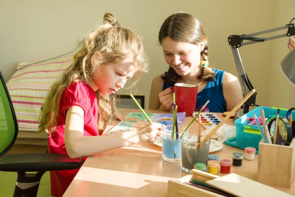 image of children doing art